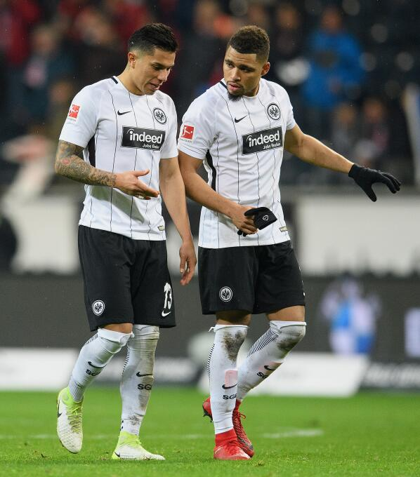 Eintracht Frankfurt [0]-1 Bayer Leverkusen: con Carlos Salcedo como titu...