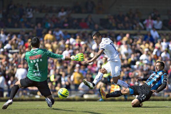 El argentino Ismael Sosa fue el encargado que abrir el marcador a favor...