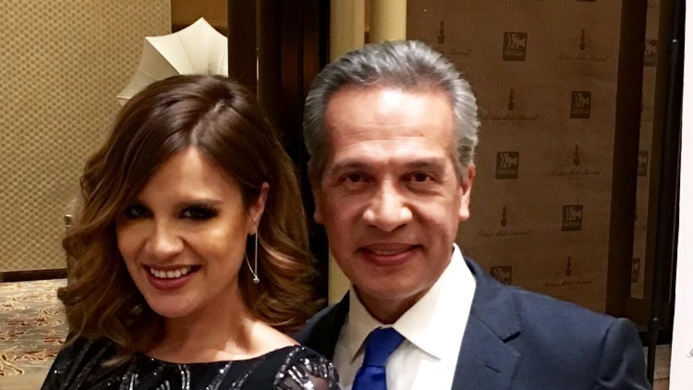Karla Amezola y Oswaldo Borraez ganan el Golden Mike.