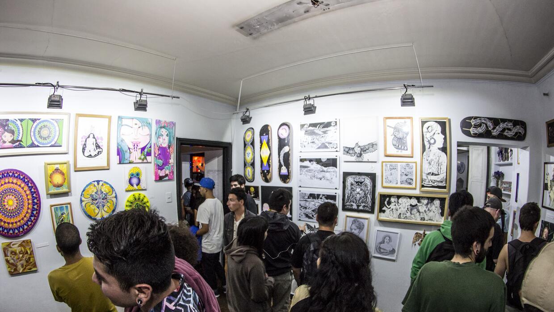 La exposición atrajo a cientos de personas.