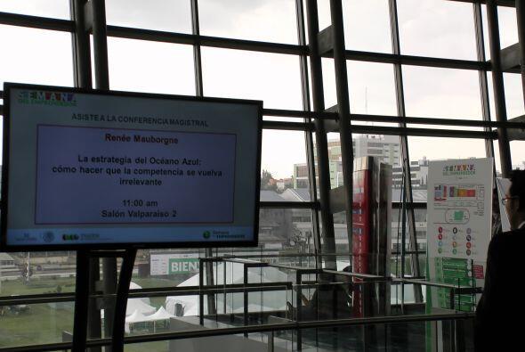Se realizaron 300 conferencias y talleres.