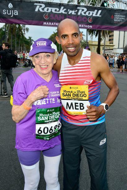 Y desde que comenzó en los maratones ha recaudado más de $90 mil dólares...