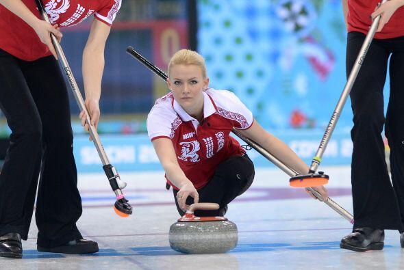 Pero las atletas rusas también entran a la batalla, con Alexandra...