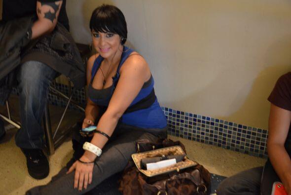 Una pose de una linda puertorriqueña decidad a convencer a los jueces.