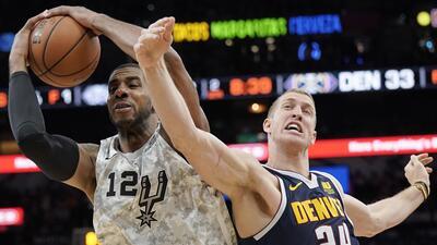 Carrusel NBA: tambalean los Nuggets con derrota ante los Spurs