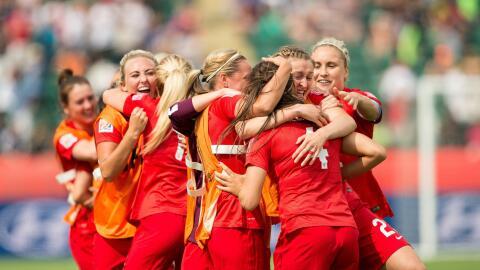 Inglaterra se subió al podium en Canadá 2015.