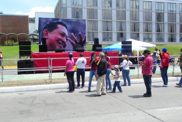Ellos tomaban fotos a las fotos de Chávez como si de verdad sería la últ...