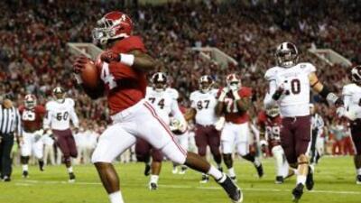 La Universidad de Alabama está clasificada como el equipo número 1 del f...