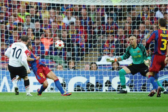 El remate dejó sin chances al portero español y el partido se empató.