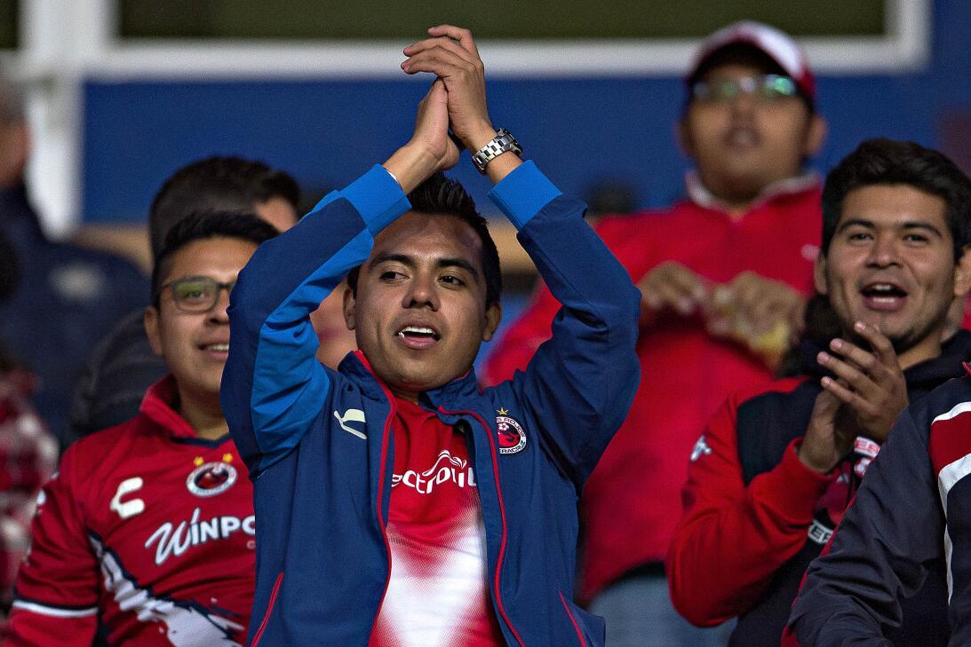 Gran ambiente se vivió en los estadios del fútbol mexicano en una nueva...