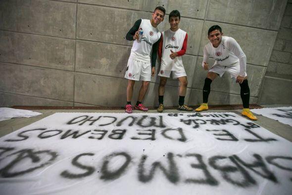 Los propios jugadores fueron los encargados de escribir la frase en las...