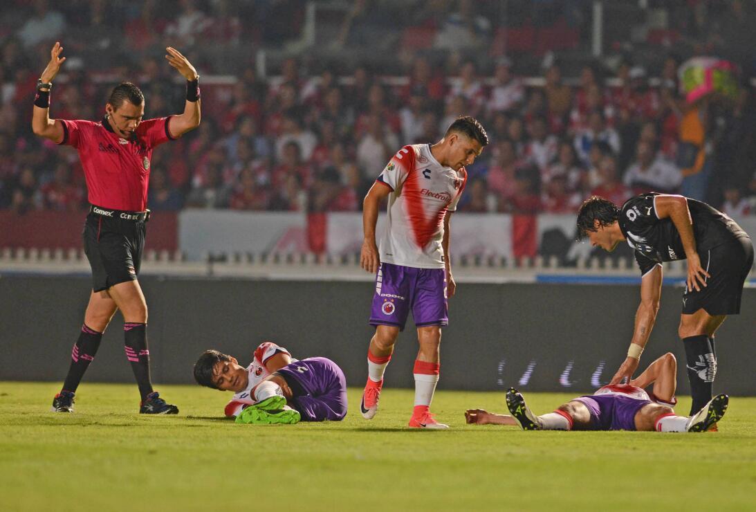 Veracruz se acerca a la salvación Choque entre Miguel Herrera y Leobardo...