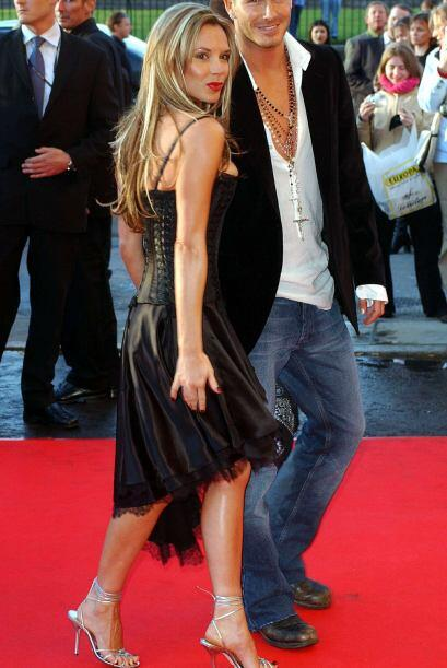 Un par de años atrás, Victoria Beckham no tenía un pelo de mujer seria y...