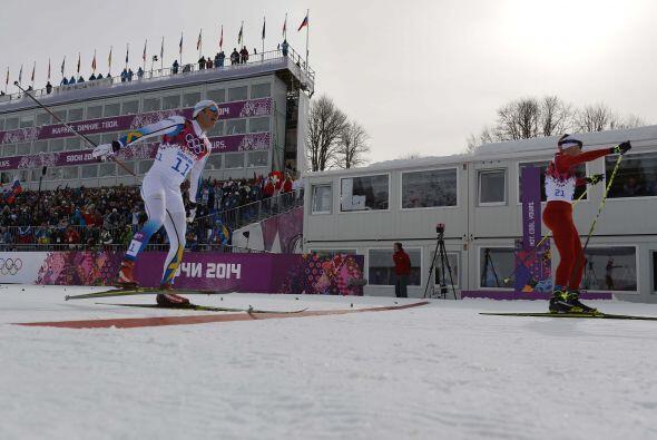 Suiza se impuso en la prueba de los 30 kilómetros de esquí de fondo con...