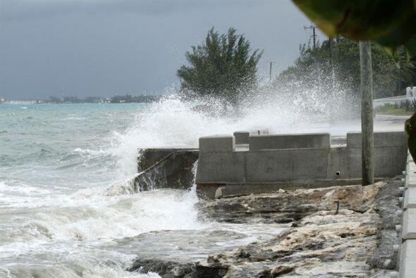 Los vientos del fenómeno en Bahamas superaron la velocidad de 200 kilóme...