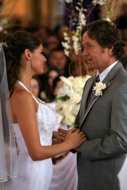 Daniel y Eva intercambian votos.