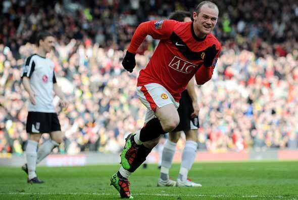 El delantero Wayne Rooney no para de hacer goles y esta vez marcó un par.