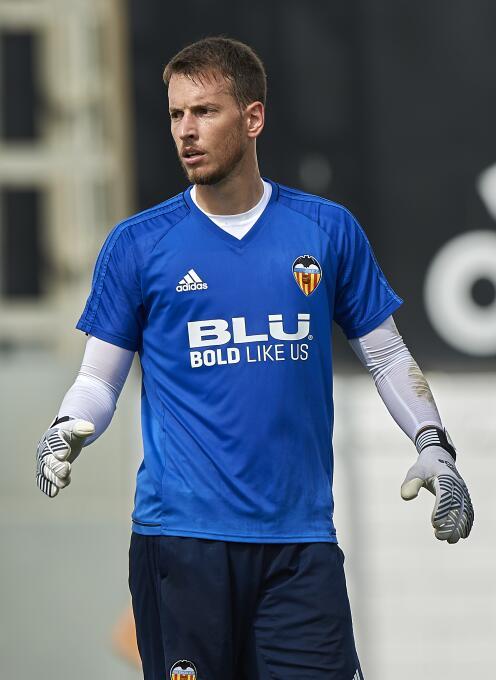 Neto (Valencia C.F.): el portero brasileño dejó la Juventus, donde estab...