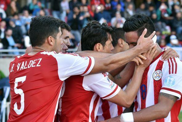El festejo de los paraguayos no era para menos pues el gol permitía el b...