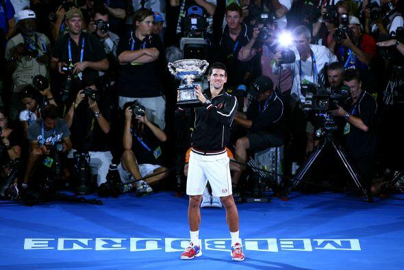 El serbio Novak Djokovic, número uno, se impuso al español Rafael Nadal,...