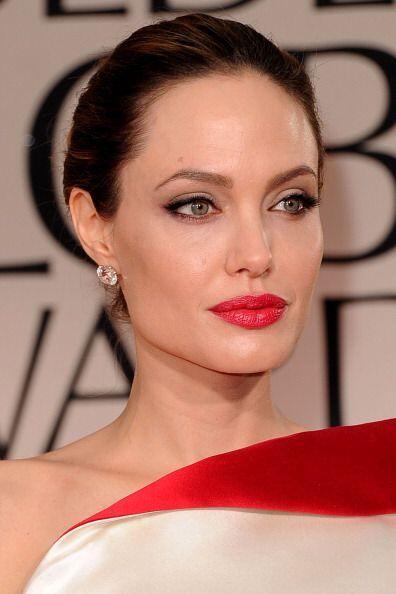 ¡Angelina Jolie no podía faltar en esta lista! Sus labios carnosos le ha...