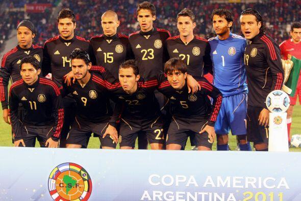 La Selección Mexicana de Fútbol debía sacarse la espina de la derrota an...