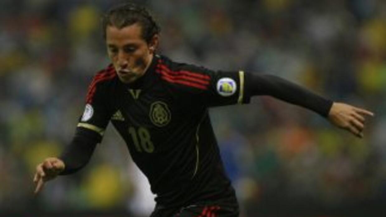 El volante mexicano espera que la entrega de la plantilla 'Naranjera' ca...