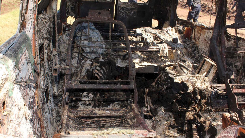 Camioneta incendiada propiedad de uno de los australianos desaparecidos