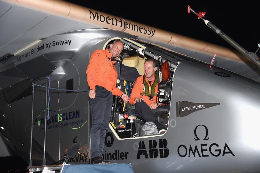 Piccard y Borschberg han completado más de 390 horas de vuelo.