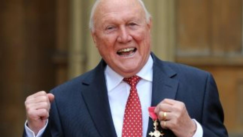 Presentador de la BBC, culpable de 14 agresiones sexuales contra 13 niña...