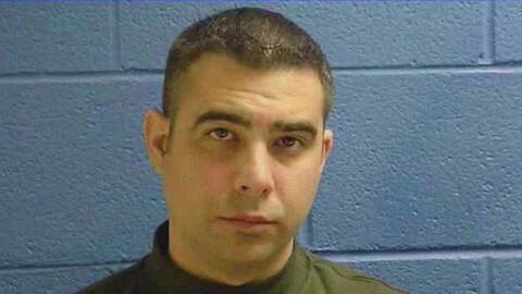 Arrestan a dos exmiembros de la policía Sweetwater acusados por conspira...