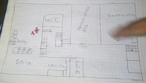 En una libreta cuadriculada tenían los planos de la casa de las víctimas.