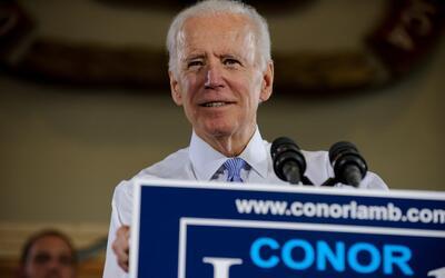 En un encuentro contra el asalto sexual realizado en Miami, Joe Biden hi...