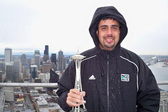 """Diego pasó frío, pero al menos se lleva una copia de la """"Aguja Espacial""""..."""