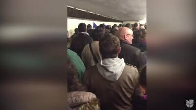 Asistentes al Estadio Nacional de Francia fueron evacuados cantando el h...