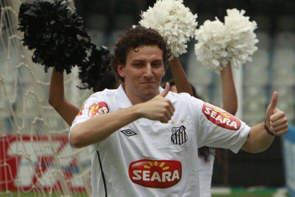 Elano, delantero brasileño mundialista, volvió de Europa y...