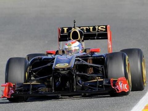 LOTUS-RENAULT R31La escudería Lotus se asoció con Renault...