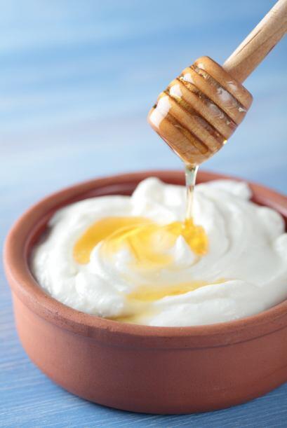 Miel y yogurt:Hace milagros para las pieles más deshidratadas.  C...