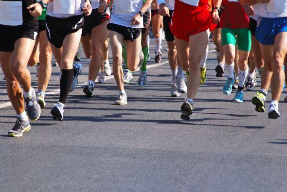 Correr o los ejercicios de cardio son los evitan que te sientas exhausta...