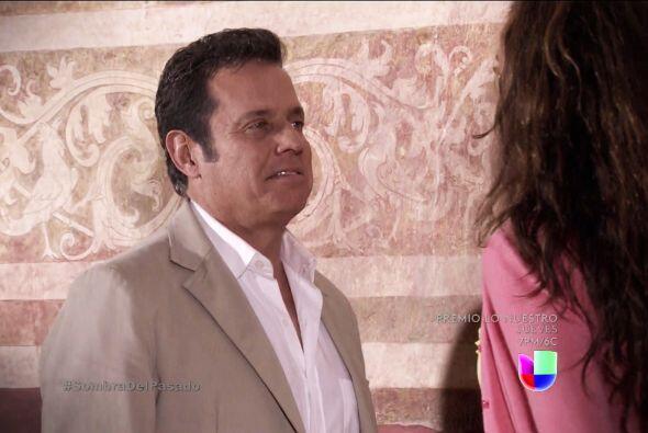 Y Severiano tampoco se queda atrás, solamente te ve y comienza a sentir...