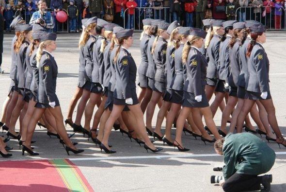 Miss Russian Army - Los rusos crearon este concurso para atraer más homb...