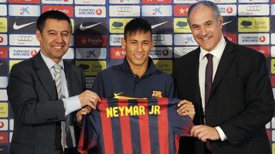 La polémica contratación de neymar por el Barcelona sigue dando de qué h...