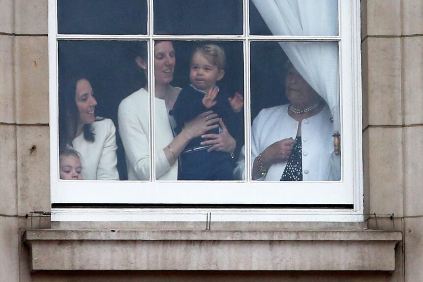 Imágenes del festejo real 'Trooping the Colour' en honor a la Reina.