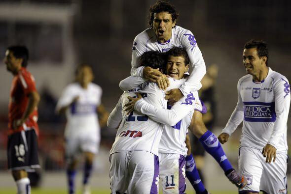 Defensor Sporting logró su quinto torneo corto tras imponerse en el Aper...