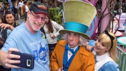 Jeff Reitz, el visitante frecuente de Disneyland, se toma una 'selfi...