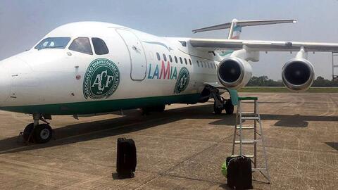 Este era el avión de la empresa LaMia accidentado en Medellín, Colombia,...