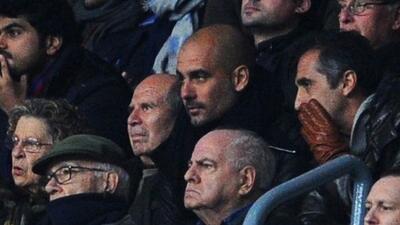 Guardiola asistió al Camp Nou, estadio que no visitaba desde que dejó de...