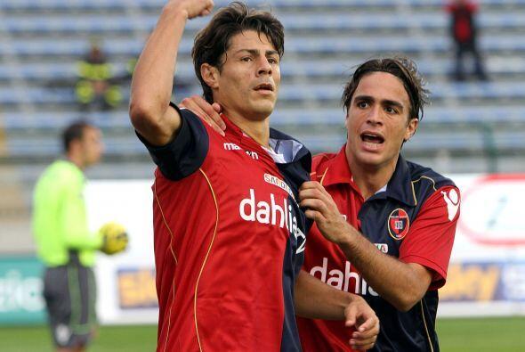 La victoria final del Cagliari, por 2-0, le valió pasar al puesto 13, au...