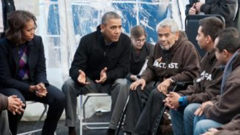 El presidente Barack Obama y su esposa, Michelle, visitan el 19 de novie...