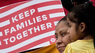 Inmigrantes que esperan una decisión sobre la acción ejecutiva de Obama